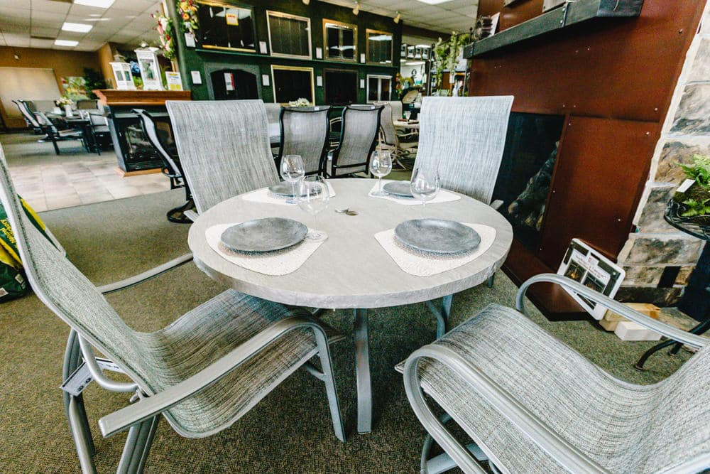 homecrest-holly-hill-dining-1